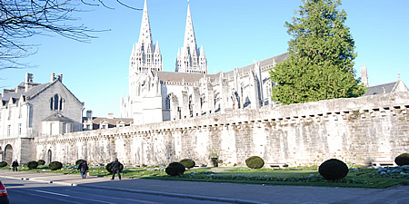 <h5>2 Quimper Cathedral </h5>